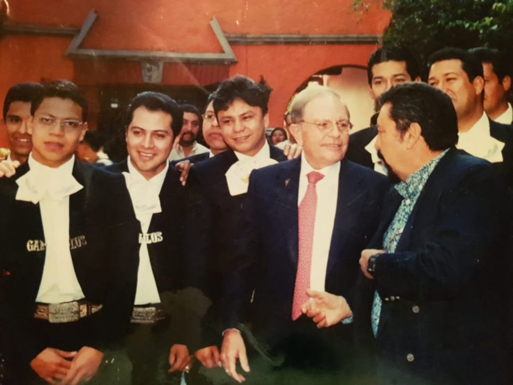 Mariachi Gallos de México y Raul Velasco